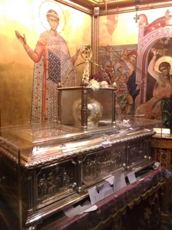 Греция - Салоники - Базилика святого великомученика Димитрия Мироточивого - Рака с честными мощами великомученика Димитрия Мироточивого Солунского